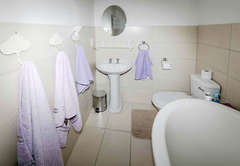King Bed En-Suite Shower