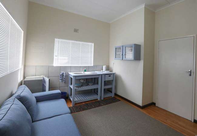 King Room, Shower and Sleeper Couch