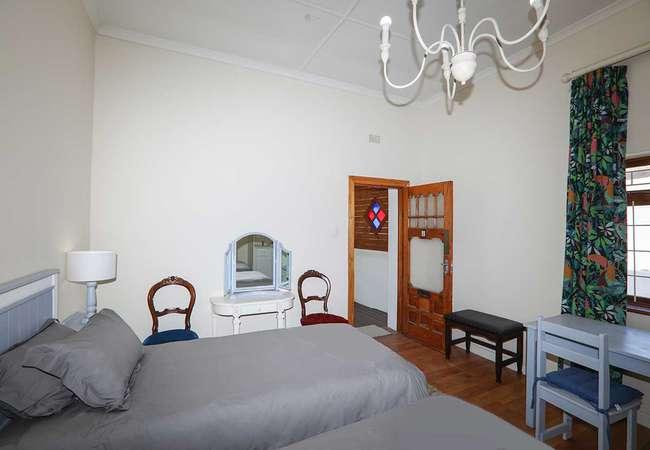Single Beds En-suite Shower