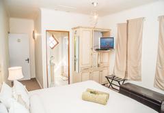Room 7 - Standard Double