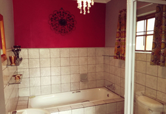 Jade- bathroom with shower and bath