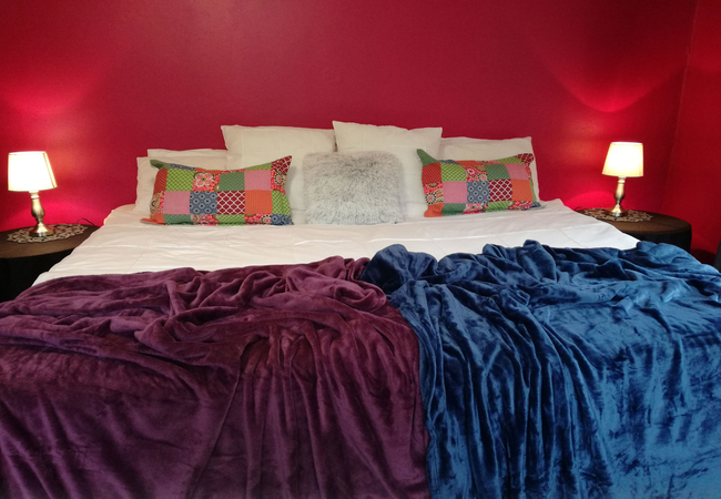 Magenta - magnificent king size bed