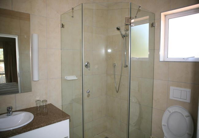 Bathroom (Deluxe room)