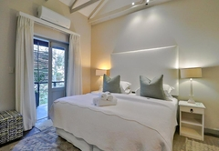 Golf Course Rooms