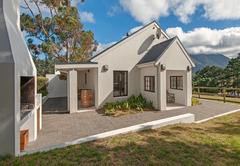 Agapanthus Cottage