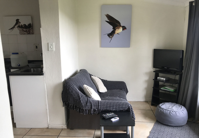 Swallow lounge