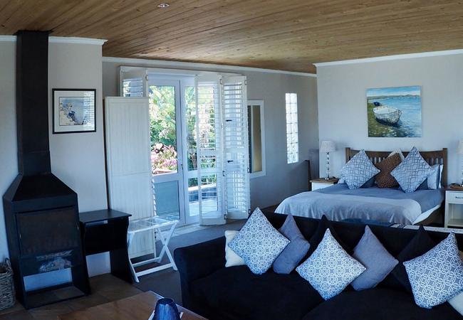 Lagoon-facing Suite