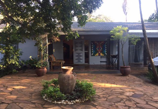 Hlulala Guest Lodge