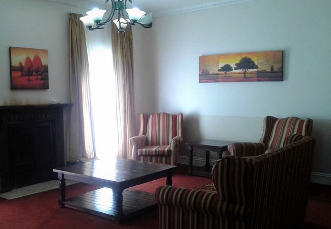 The Grand Elm Suite