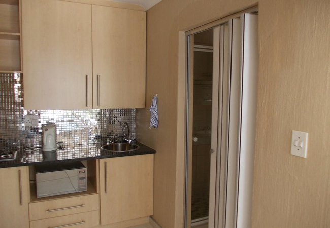 King/Twin with Kitchenette