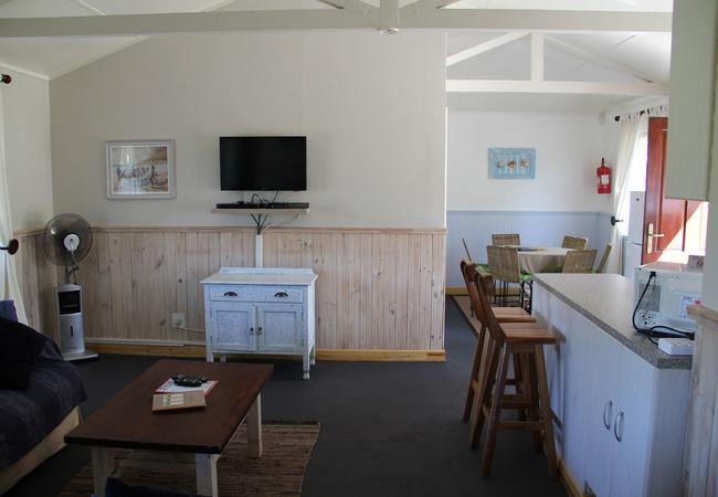 Captains Captains Cottage living room