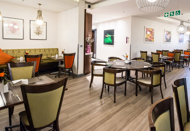 Nuovo Restaurant & Bar