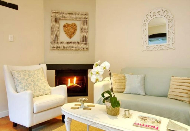 Lounge and fire place