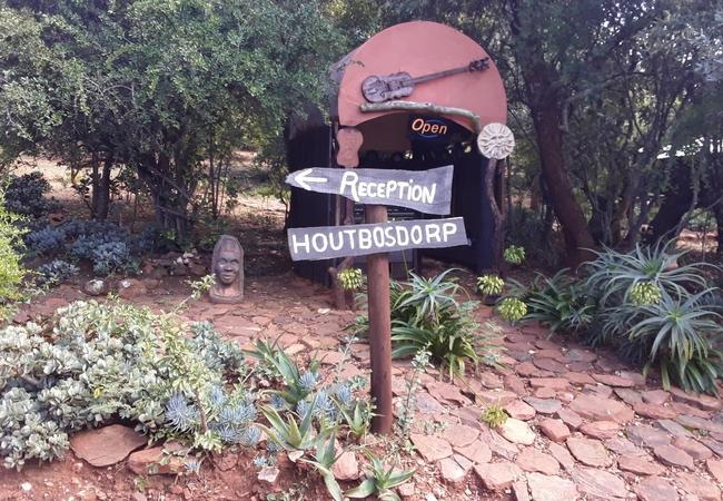 Wooden House Karee