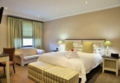 Standard/Twin Room 4