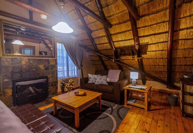 Inyoka Cabin bedroom