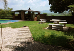 iLawu Guest Lodge