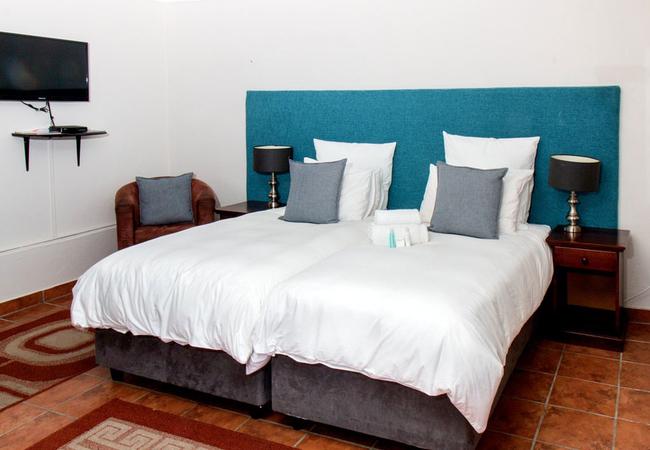 Garden Twin Bed Room