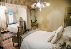Luxury Illyria House Suites