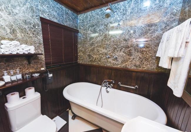 Luxury Illyria House Suites