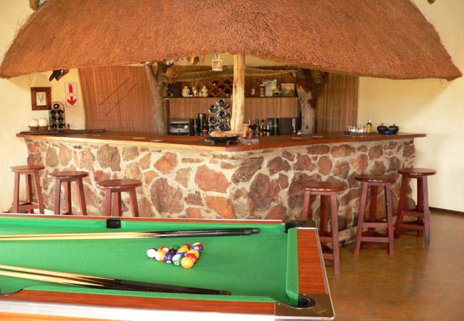 Izintaba Lodge bar