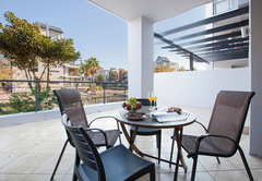 Self Catering in Century City