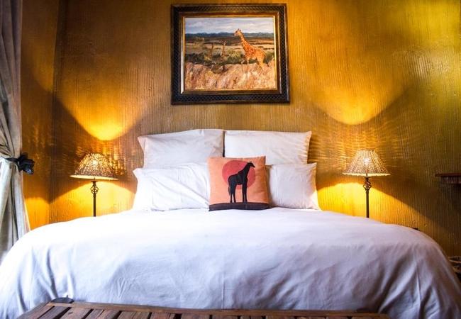 JAK Strydom Honeymoon Suite