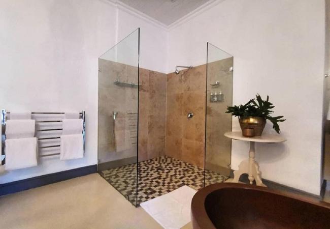 Superior Suite 7 bathroom
