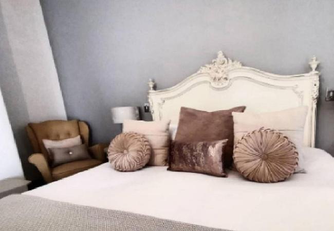 Superior Suite Room 7