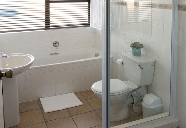 Unit 1 - Bathroom