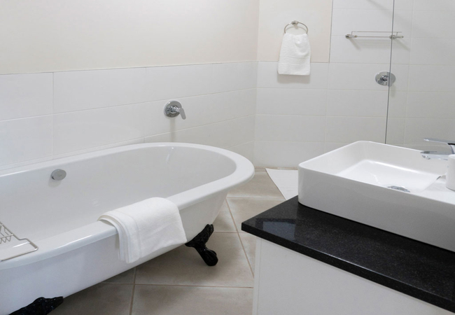 Unit 6 - Bathroom