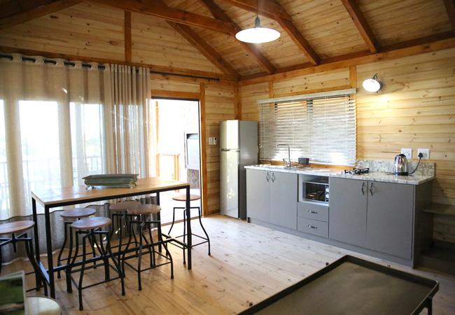 Four-Sleeper Log Cabin
