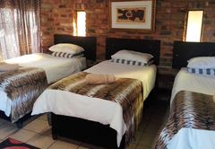 Triple Room with single beds