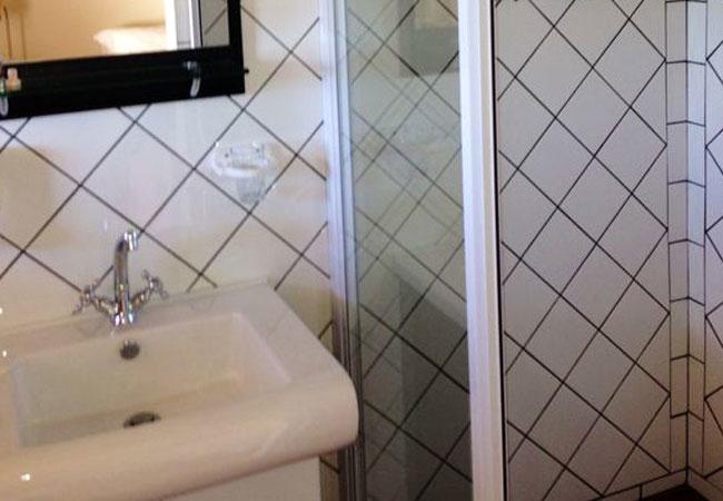 Unit 1-3 bathroom shower
