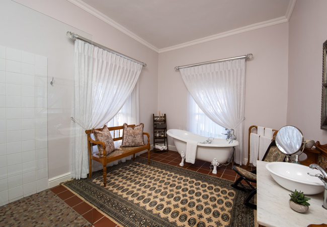 Cecile Room