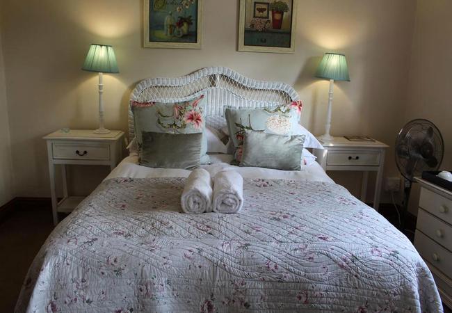 Standard Queen En-Suite Room