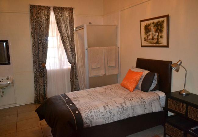 Twin Room with Partial En-Suite