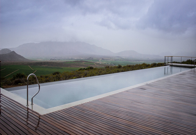 25 meter swimming pool