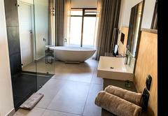 Self -Catering Room bath
