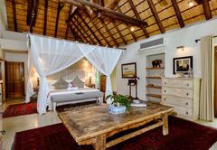 Khaya Ndlovu Manor House