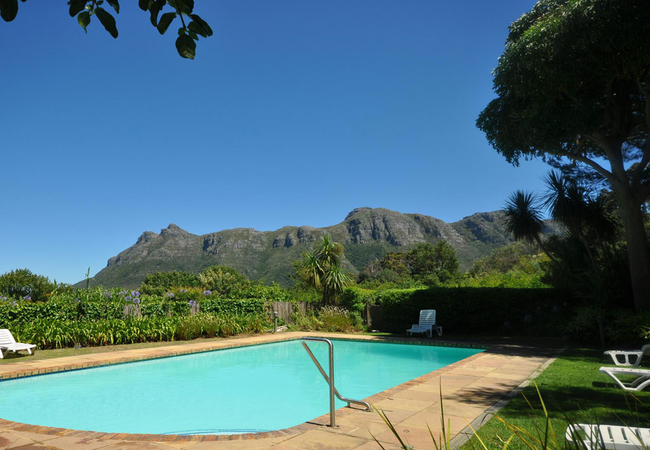 Estate Swimming Pool