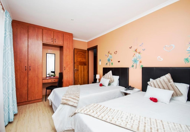 Family Shared Room (Package)