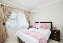 Sara Avenue Room 10