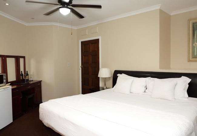 Standard En-Suites