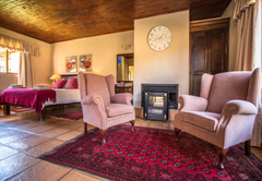 River Lodge Hotel Suites