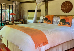 Thatched Family / Honeymoon Cottage