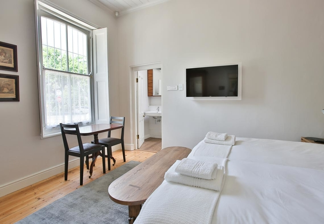 Laanhof Victorian House Room 2