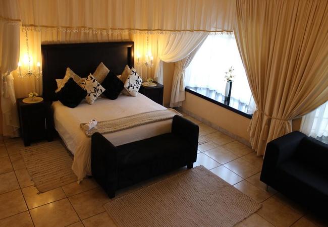 Deluxe Room 7