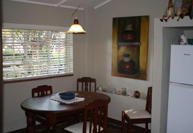 Geranium cottage dining