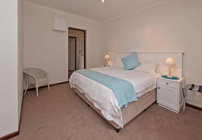 2 Bedroom Cottage (with shower)